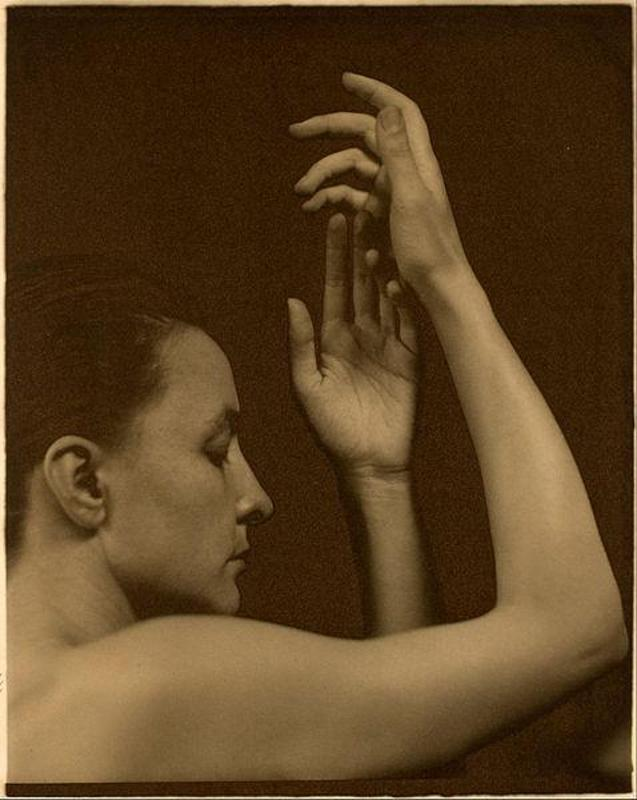a biography of influential photographer alfred stieglitz